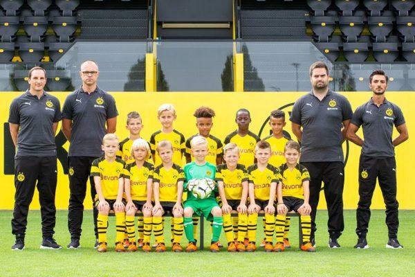 Jaunasis Milanietis tapo Dortmundo Borussia komandos žaidėju!